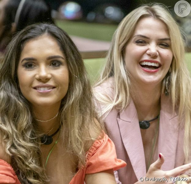 No 'BBB20', Marcela e Gizelly levantam suspeitas de beijo embaixo do edredom