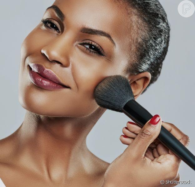 7 passos para limpar o seu pincel de maquiagem em casa
