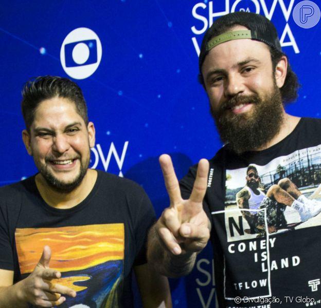 Jorge e Mateus fazem live no Youtube e show diverte quarentena de famosos, em 4 de abril de 2020