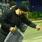 Ação do bem! Felipe Titto distribui cobertores para moradores de rua em SP
