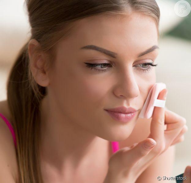 Para uma maquiagem simples, você precisa de poucos e bons produtos