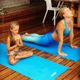 Angélica faz ioga com a filha, Eva