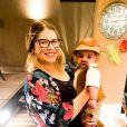 Marilia Mendonça fantasiou o filho a caráter para festa caipira