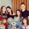 Filhas de Rodrigo Faro e Vera Viel, Clara e Maria ganharam festa intimista por seus, respectivamente, 15 e 12 anos