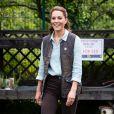 Kate Middleton montou um look prático e básico em seu primeiro evento após período de isolamento