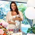 Filho caçula de Fernanda Machado, Leo comemorou 1 mês nesta terça-feira, 30 de junho de 2020