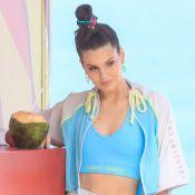 Camila Queiroz estrela ensaio com looks comfy na orla de Ipanema. Fotos!