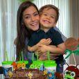 Michel Teló e Thais Fersoza comemoram aniversário dos filhos
