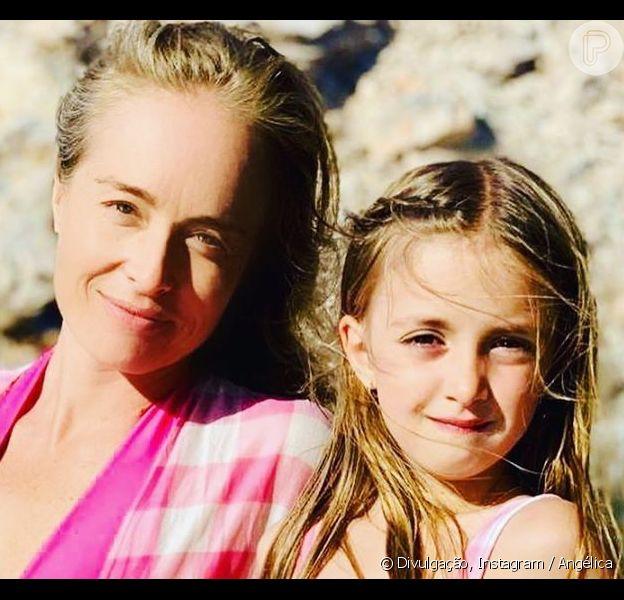 Angélica e a filha, Eva, usam looks iguais em vídeo, em 2 de agosto de 2020