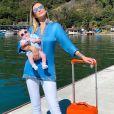 Ana Paula Siebert mostra look escolhido para filha viajar confortável e estilosa