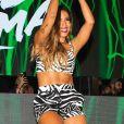 Anitta fez primeira performance da música 'Paloma', na Itália, com conjunto de estampa de zebra da Dolce & Gabbana