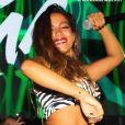 Anitta agita italianos ao cantar 'Paloma' em show com conjunto de zebra composto por top de $ 525, R$ 2,8 mil na conversão, e short avaliado em $ 675, aproximadamente R$ 3,6 mil no Brasil