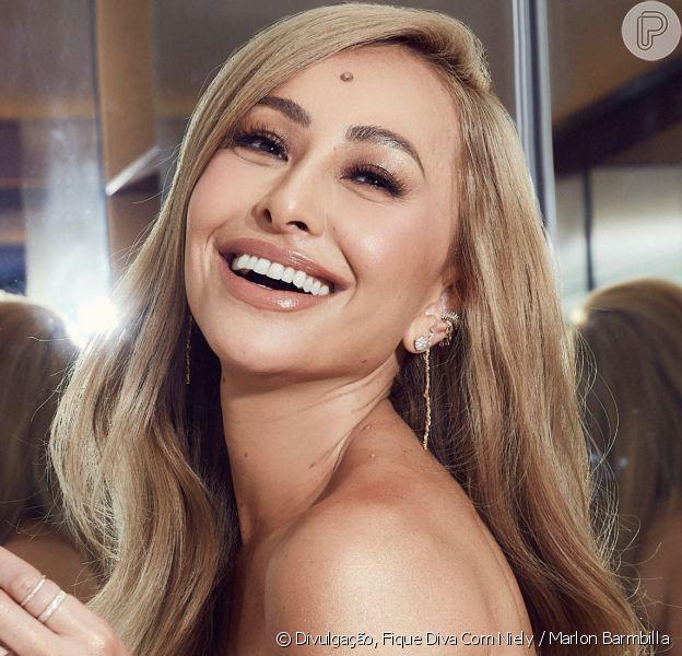Sabrina Sato muda o cabelo e surpreende ao surgir loira nas redes sociais