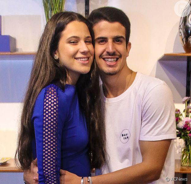 Enzo Celulari e Sophia Raia protagonizaram uma brincadeira de irmãos neste domingo, 16 de agosto de 2020