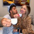 Virgínia Fonseca, namorada de Zé Felipe, usa aliança de compromisso com o cantor