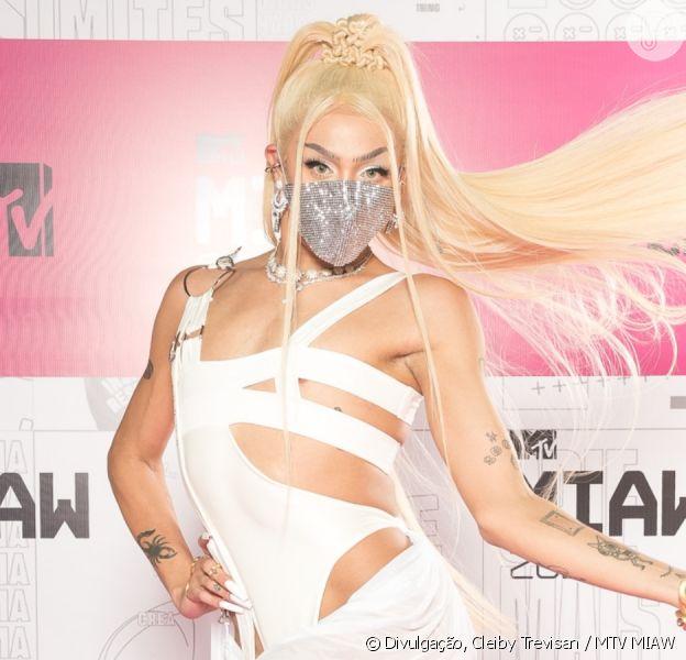 Veja fotos dos looks dos famosos no MTV MIAW