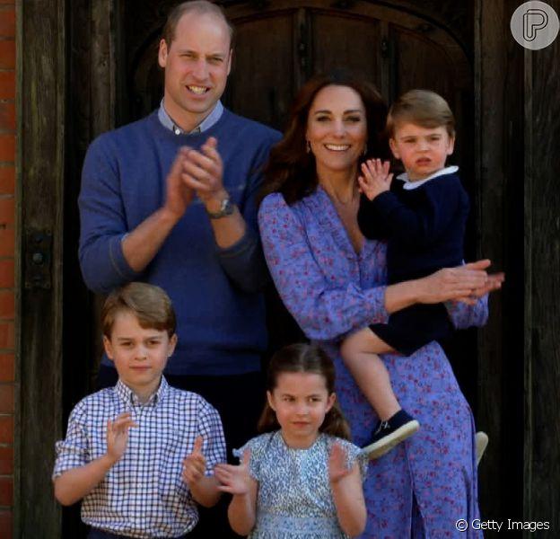 Looks combinando e roupa 'herdada': Kate Middleton mostra nova foto com filhos. Saiba mais detalhes em matéria neste domingo, dia 27 de setembro de 2020