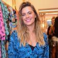 Carolina Dieckmann posta foto de biquíni no Instagram e encanta web