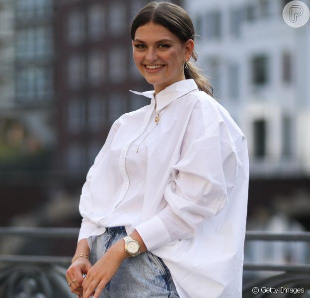Veja looks com camisa branca: inspire-se nas fotos!