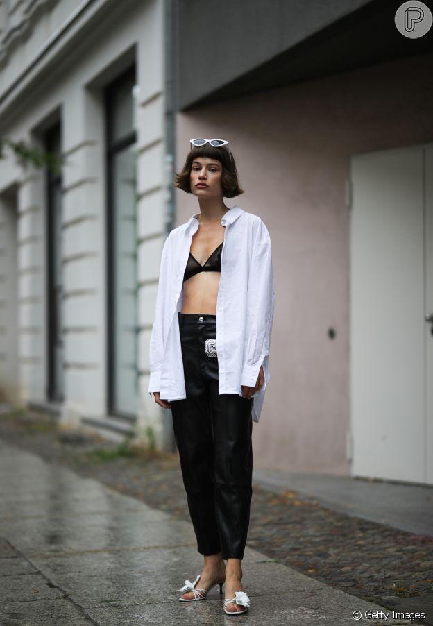 Camisa branca combina com a moda praia!