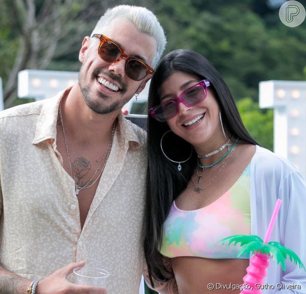 Lipe Ribeiro deixa parte íntima à mostra em 'A Fazenda 12' e namorada reage na web