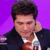 Liberado pela Globo, Daniel abre Teleton e chora ao lembrar de Hebe Camargo