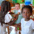 Giovanna Ewbank registrou momentos de carinho entre os três filhos