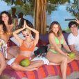 Bruna Marquezine, Rafa Kalimann e Manu Gavassi estão com Thelma Assis e amigos em ilha particular do Rio