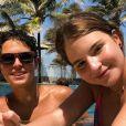 Sophia Valverde e Igor Jansen usaram mesma legenda em foto tirada em parque aquático do Ceará em 7 de janeiro de 2021