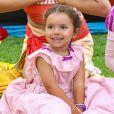 Filha de Patricia Abravanel e Fabio Faria, Jane foi exaltada pelo pai: 'Carinhosa, meiga, vaidosa, tímida, alegre, charmosa e linda!'
