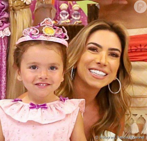 Filha de Patricia Abravanel, Jane comemorou 3 anos com festa