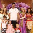 Filha de Patricia Abravanel usou roupa de princesa em sua festa de 3 anos