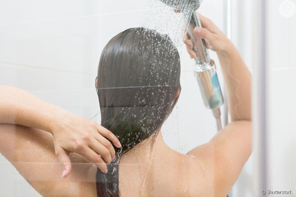 Hora do banho vira momento relax com produtos de beleza