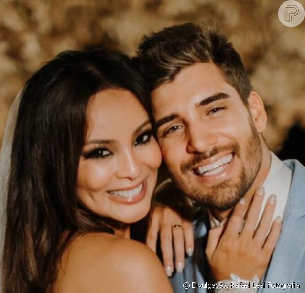 Carol Nakamura e o marido, Gui Leonel, posam com Juan Nakamura e a namorada, Erika Januza, em 6 de fevereiro de 2021