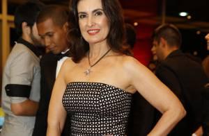 Fátima Bernardes e mais famosas capricham nos looks para o Prêmio Extra de TV