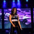 Ousada, Anitta se soltou no palco do Palácio das Convenções do Anhembi, em São Paulo