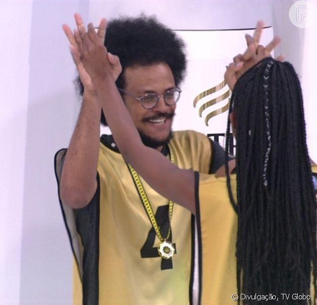 'BBB 21': João ganha Líder e web ironiza planos de Projota de indicá-lo. 'Mundo dá voltas'