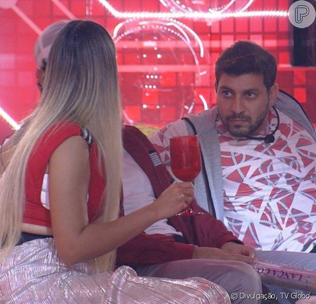 'BBB 21': Caio vê Projota revelando votos a Lumena e Sarah prevê sobre rapper. 'Vai sair'
