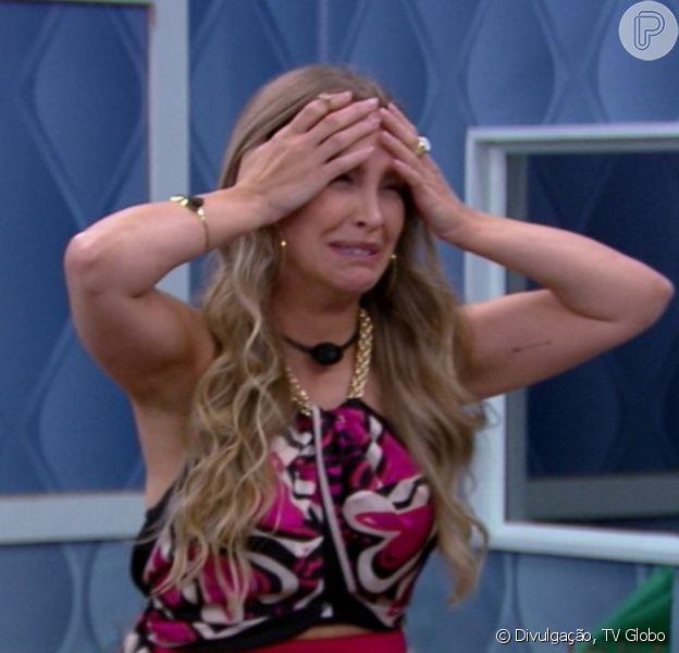 'BBB 21': no Quarto Secreto, Carla Diaz ouve Projota, Viih e Gil a criticando. 'Como distorce!'