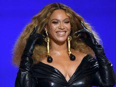 Beyoncé aposta em 'pretinho nada básico' e volumão no Grammy 2021