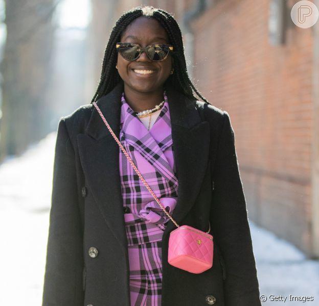 A moda da bolsa atravessada: veja dicas da tendência!