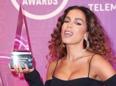 Anitta supera Shakira e mais famosas do pop ao vencer prêmio latino: 'Que emoção'
