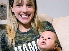 De 'Chiquititas', Letícia Navas combina look divertido com filho em 1º Dia das Mães