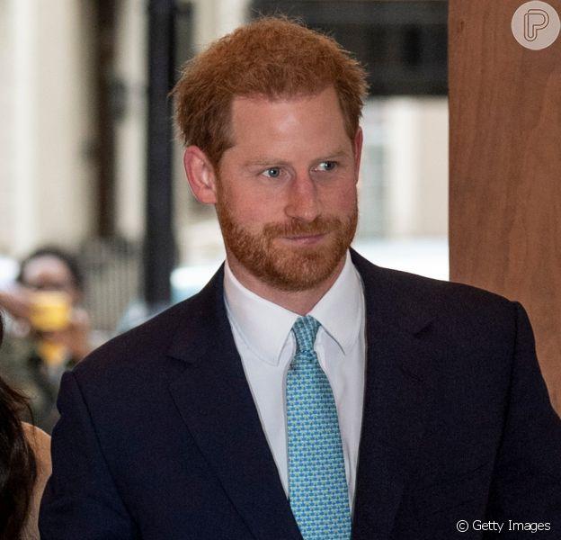 Príncipe Harry compara vida na família real a zoológico em podcast. Saiba mais!