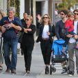 Claudia Leitte esbanja simpatia durante suas férias nos EUA