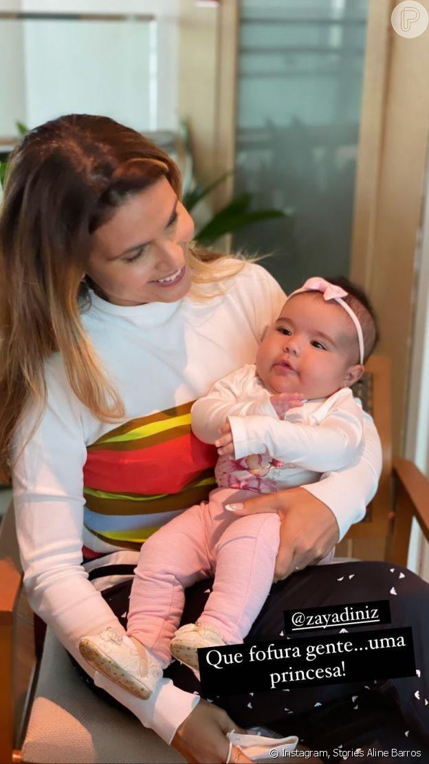 Aline Barros se encantou ao conhecer Zaya, filha de Simone