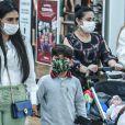 Simone levou os filhos, Henry e Zaya, para passeio por shopping do Rio em 14 de junho de 2021