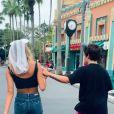 João Figueiredo e Sasha Meneghel se divertiram ao dançarem em parque da Disney