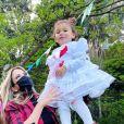 Ticiane Pinheiro comemora festa junina em família com as duas filhas