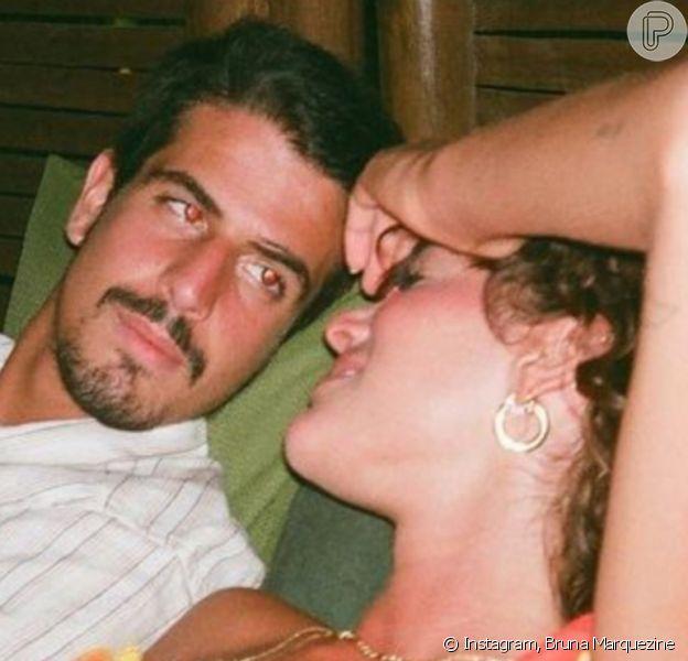 Bruna Marquezine e Enzo Celulari podem reatar namoro, dizem fontes do colunista Leo Dias, do portal 'Metrópoles' em 1º de junho de 2021